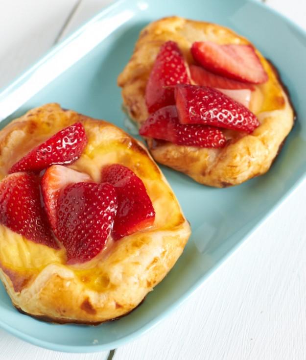 Ein schnelles Rezept für Erdbeerküchlein im Sommer