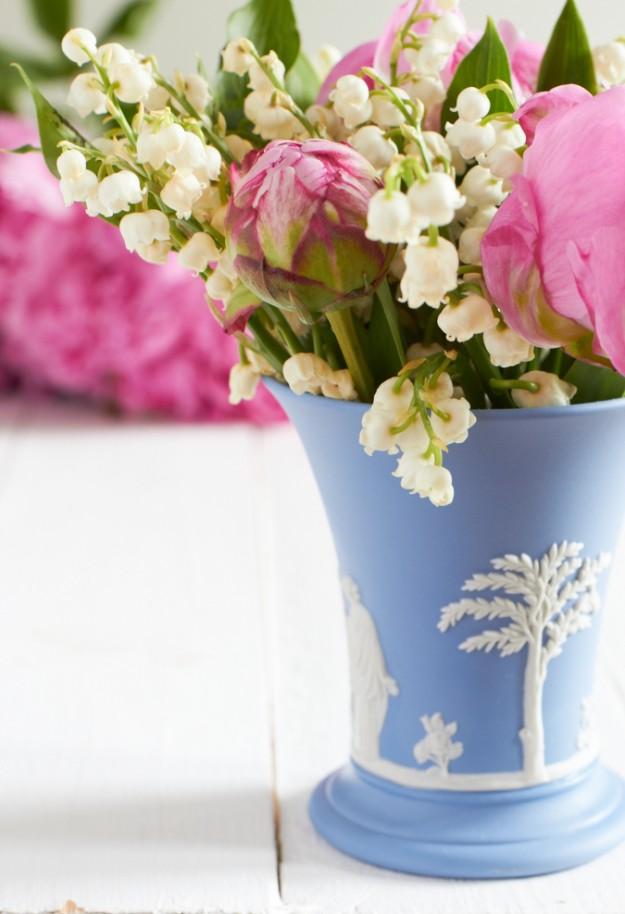 muttertag wedgwood Vase Maigloeckchen Pfingstrosen