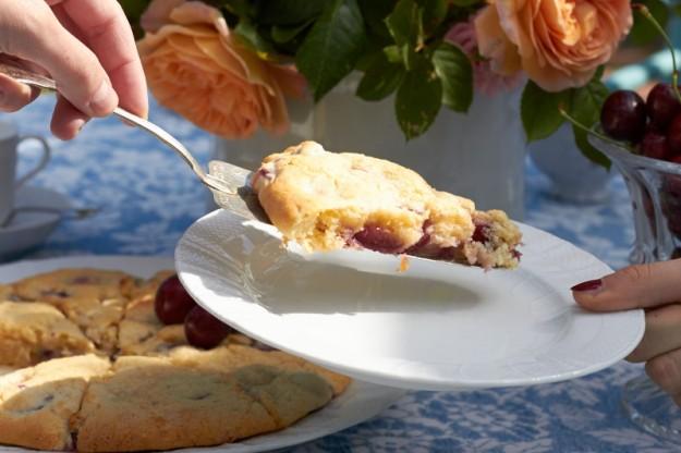 Sommerscones mit frischen Kirschen #ichbacksmir tastesheriff.com