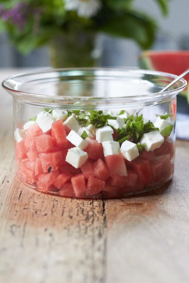 Wassermelonensalat mit Feta und frischer Minze tastesheriff.com