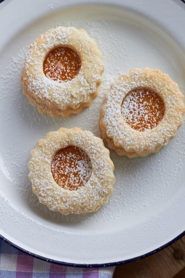 Hilda-Kekse gefüllt mit Aprikosenmarmelade für #ichbacksmir