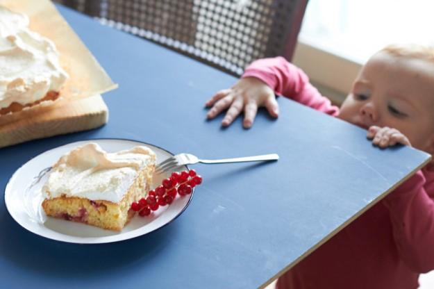Baiser Johannisbeer Kuchen