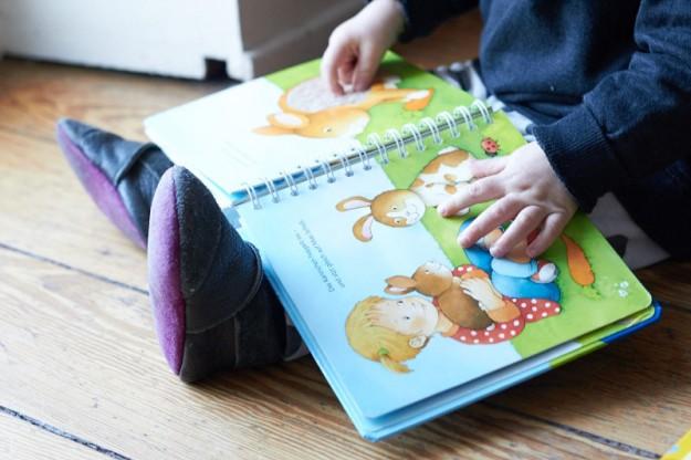 Auf http://meinbabyschuh.de kann man tolle Schuhe für die Kleinen selber gestalten.