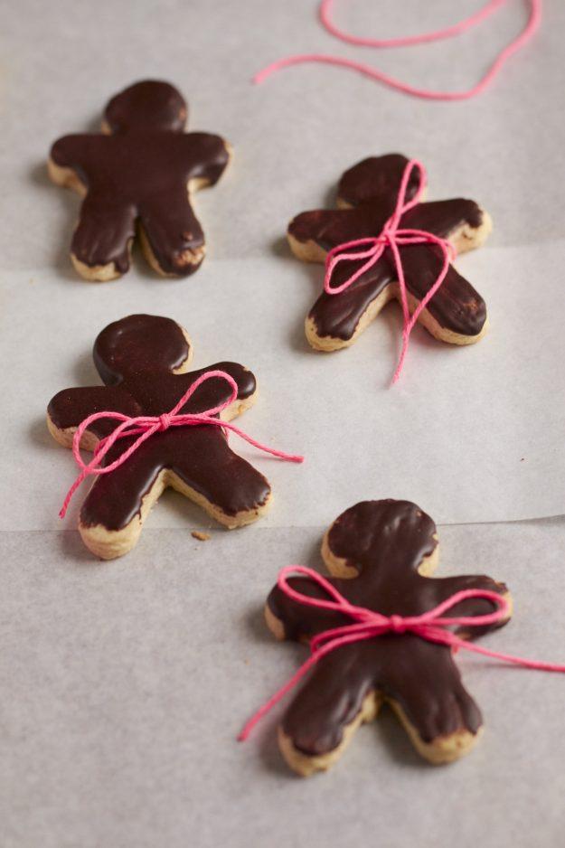 zum 4. Advent gibt es eine kleine Runde Chai-Kekse mit Schokoladenglasur – #KoestlicheKakaomomente – Werbung