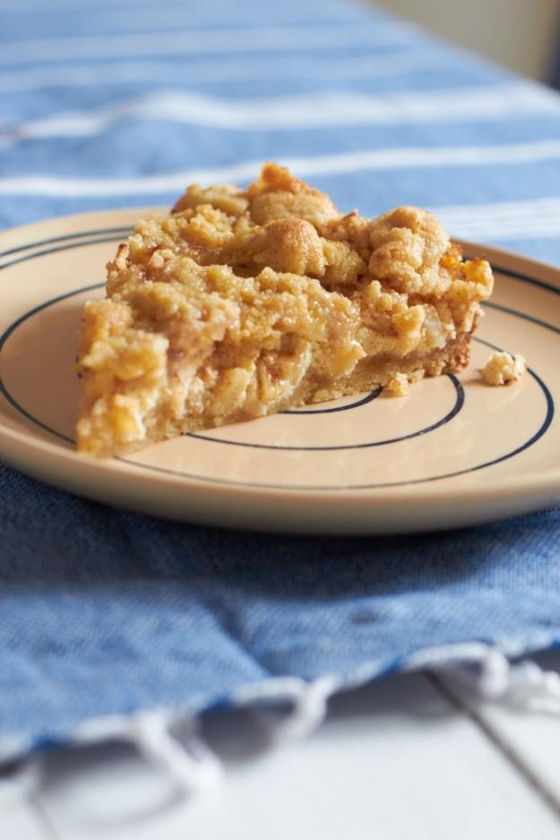 ichbacksmir apfel cheesecake mit streuseln tastesheriff. Black Bedroom Furniture Sets. Home Design Ideas
