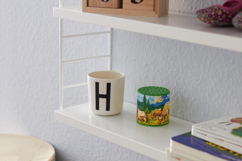 string pocket regal 5 tastesheriff. Black Bedroom Furniture Sets. Home Design Ideas