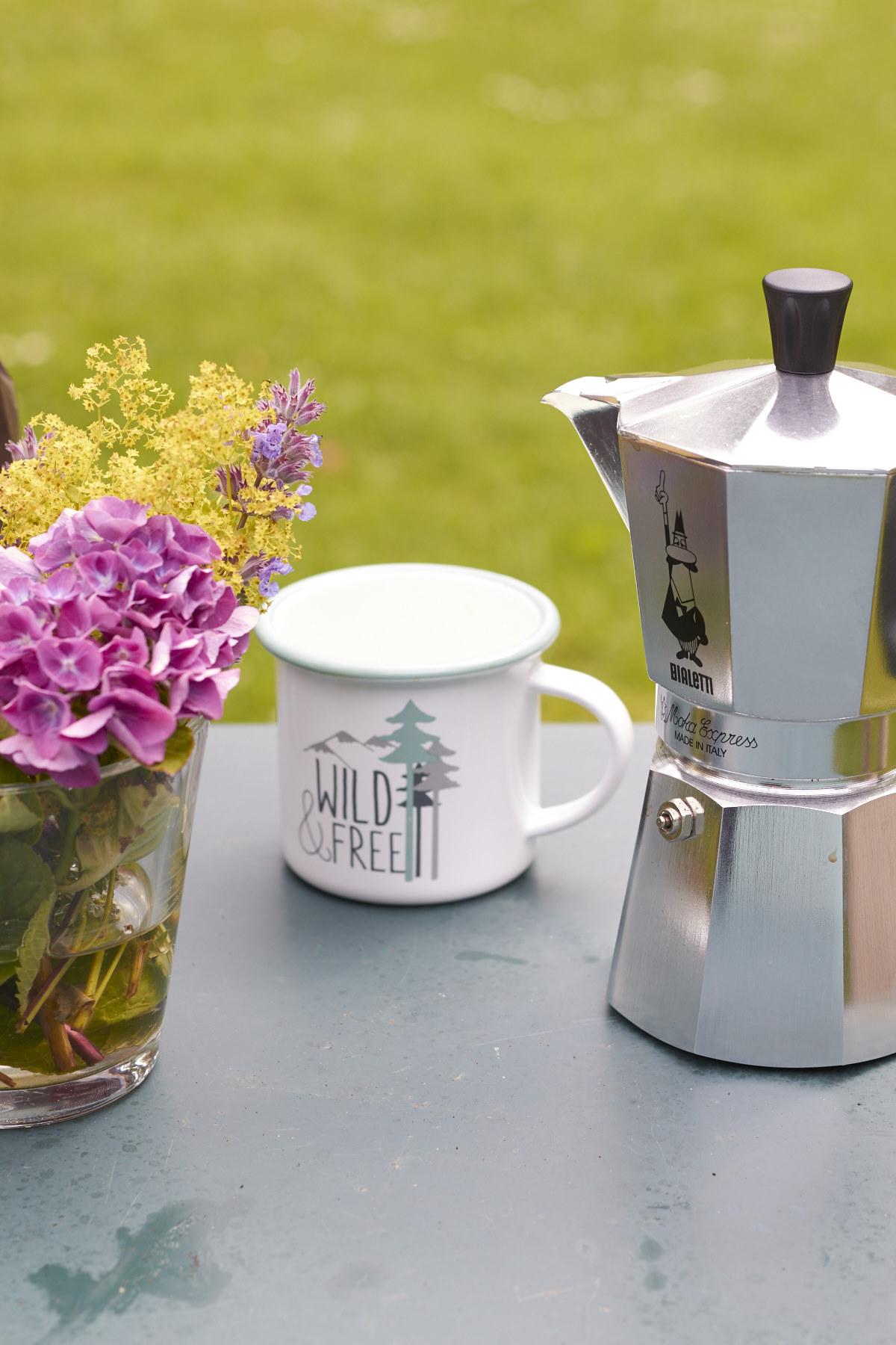 campingkaffee kaffee aus dem espressokocher 4 tastesheriff. Black Bedroom Furniture Sets. Home Design Ideas